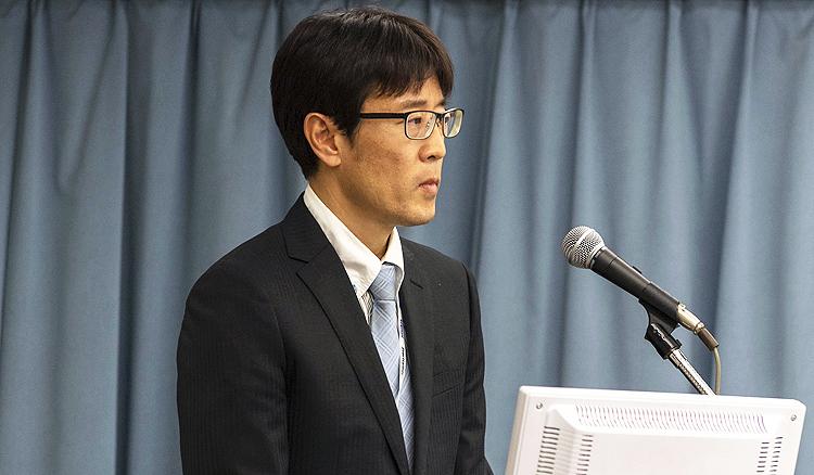第18回日本再生医療学会で講演する大鶴任彦医師